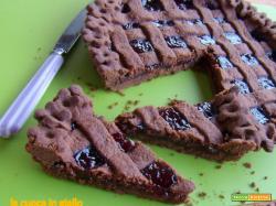 Crostata al cacao con marmellata di ciliegie