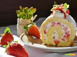 Rotolo alle fragole con crema al mascarpone, panna e cioccolato bianco