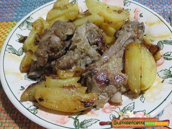 Spuntature maiale in bianco e patate