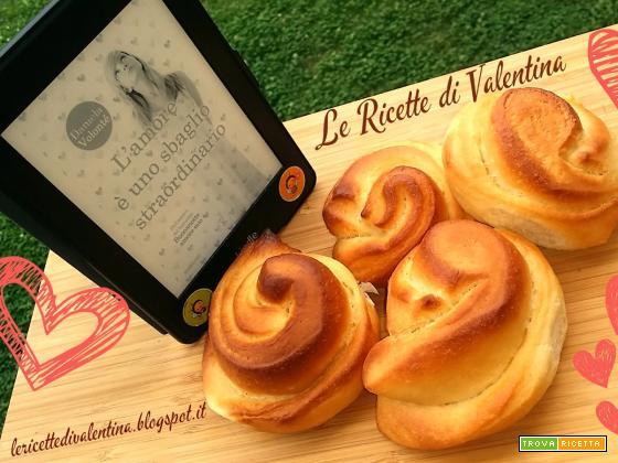 MANGIA CIO' CHE LEGGI # 46: brioche alla crema ( ricetta bimby) da L'amore è uno sbaglio straordinario di Daniela Volontè