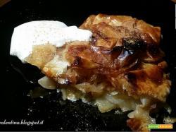 Scrigni di pasta Fillo, pere, miele e cannella