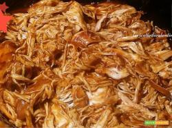 Pollo in salsa Barbecue nella pentola Slow Cooker....tenero e saporito una vera delizia!