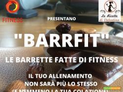 BARRFIT: barrette energetiche, solo 3 ingredienti, datteri mirtilli rossi e mandorle
