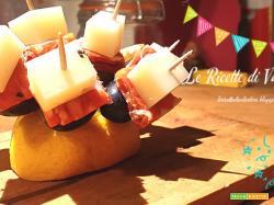 Mini spiedini Uva, formaggio e salame piccante