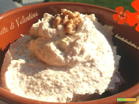 Crema quartirolo e noci per gnocchi o pasta