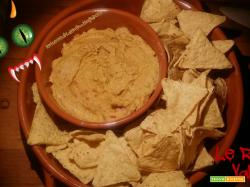 Sangue e scaglie di mostro (guacamole al pomodoro con nachos)
