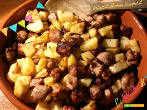 Salsiccia di pollo e tacchino con patate senza grassi aggiunti, nella friggitrice ad aria
