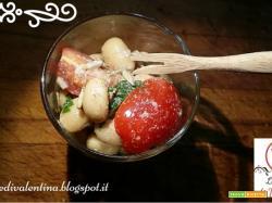 Insalata rapida salva pranzo, fagioli pomodorini e semi di girasole