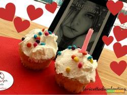 MANGIA CIO' CHE LEGGI # 67: Cupcakes con frosting al mascarpone e confetti colorati...ispirati da Infinito+1 di Amy Harmon