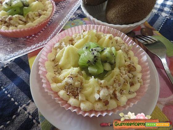Crostatine senza glutine crema e kiwi