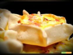 Pardulas,  ovvero casadinas,  in pratica formaggelle: Buona Pasqua dalla Sardegna