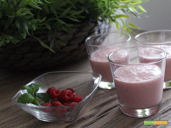 Sweet Smoothie – Frappè al latte di cocco, banana e lamponi