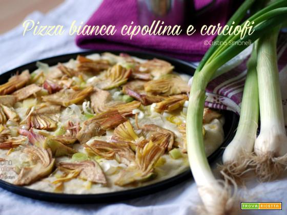 Pizza bianca con cipollina e carciofi