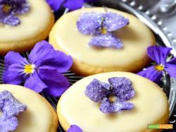 Di una passeggiata in montagna, violette a metà maggio e biscottini improvvisati