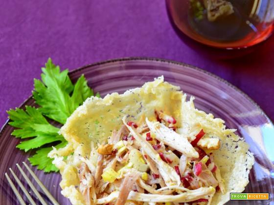 Insalata di gallina in cestino di parmigiano