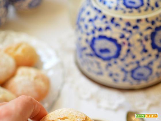 Biscotti al latte da inzuppare per la colazione