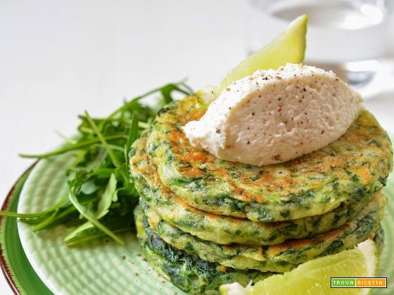 Pancakes di spinaci con crema di ricotta al lime