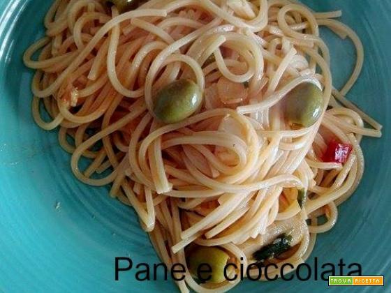 Spaghetti con stocco olive e capperi