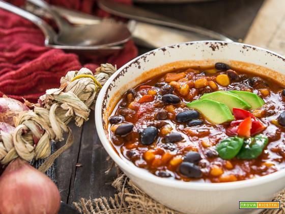 CHILI VEGANO con FAGIOLI NERI | ZUPPA di FAGIOLI NERI alla MESSICANA (senza glutine)