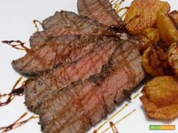 Roast-beef in crosta di sale con patate alla paprika