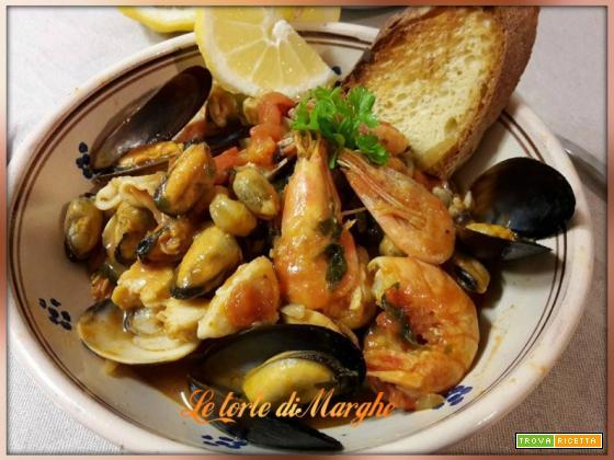 Zuppa di pesce misto alla spagnola