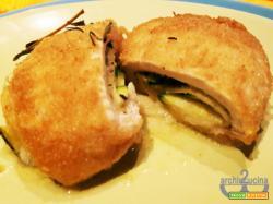 Involtini di pollo con zucchine e provolone dolce