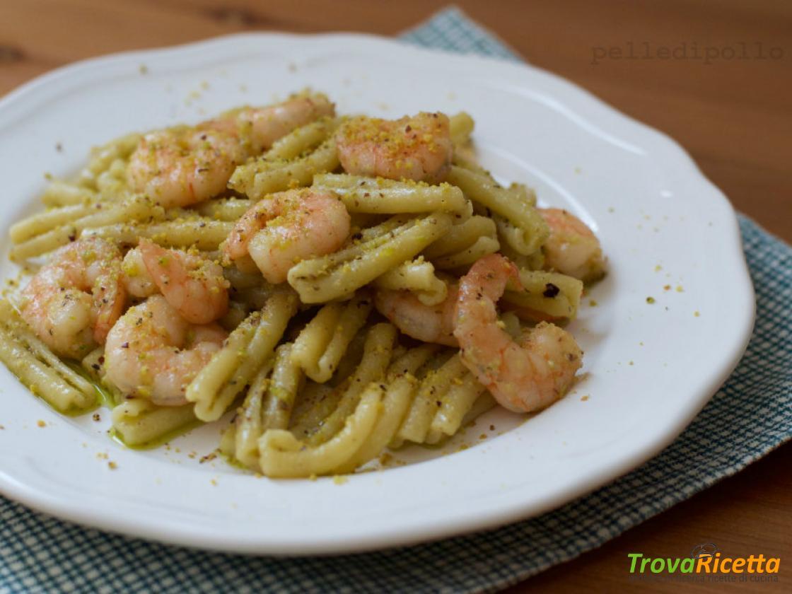Pasta Con Pesto Di Pistacchi E Gamberi Ricetta Trovaricetta Com