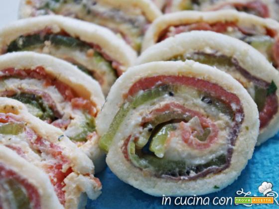 Girelle salmone e kiwi-fresco antipasto