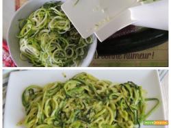Spaghetti veg di zucchine col pesto