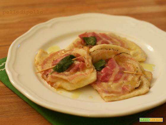 Saltimbocca di tacchino con pancetta e formaggio
