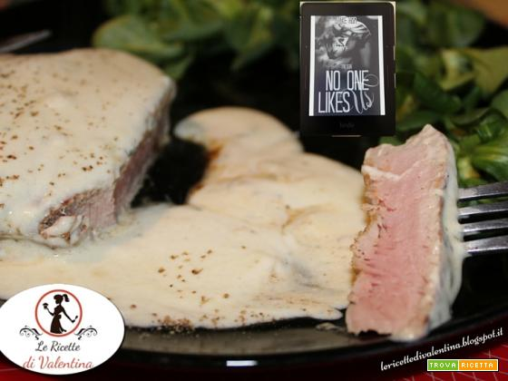 MANGIA CIO' CHE LEGGI  71: Filetto al Roquefort ispirato da No One Like Us  1-3 di Naike Ror