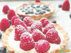 Crostatine alla crema chantilly e frutta fresca