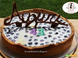 Buon compleanno a mio marito! Crostata fredda ripiena di panna cotta al cioccolato bianco e mirtilli (ricetta bimby)