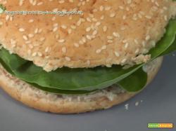 Burger di Quinoa e fagioli rossi al coriandolo, terza puntata della rubrica Ricette Umane