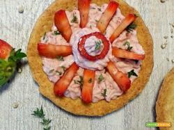 Tortini salati con crema di bresaola e fragole