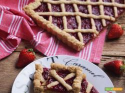 Sweet-friday: Crostata semi-integrale con composta di fragole al pepe lungo