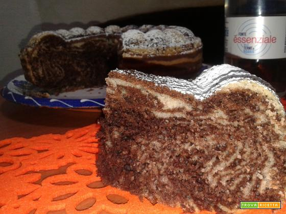 Torta all'acqua bicolore