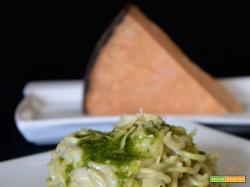 spaghetti e torta salata, sapori e ricordi al formaggio