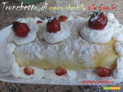 Tronchetto di crema chantilly alle fragole