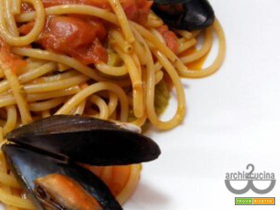 """Spaghetti asparagi e cozze, la """"mare e monti"""" di 2 archincucina"""