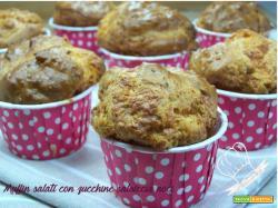 Muffin salati con zucchine salsiccia noci