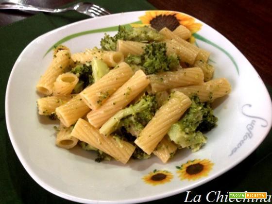 Tortiglioni broccoli e alici