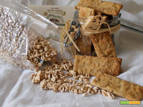 Crackers integrali con farro soffiato