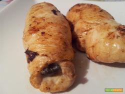 Involtini di pollo con olive, capperi e acciughe