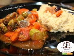 Cous cous integrale con Verdure al pomodoro e olive con la pentola Slow Cooker