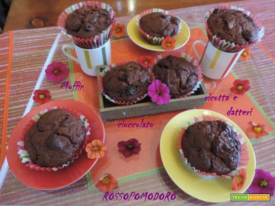 Muffin ricotta cioccolato e datteri