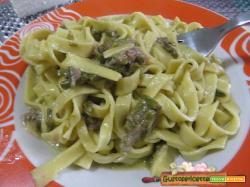 Tagliatelle asparagi e caprino