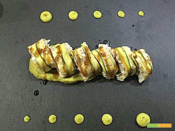Rotolini di zucchina branzino e gamberoni su crema di avocado e salsa teriyaki - Oggi cucina...Emanuele