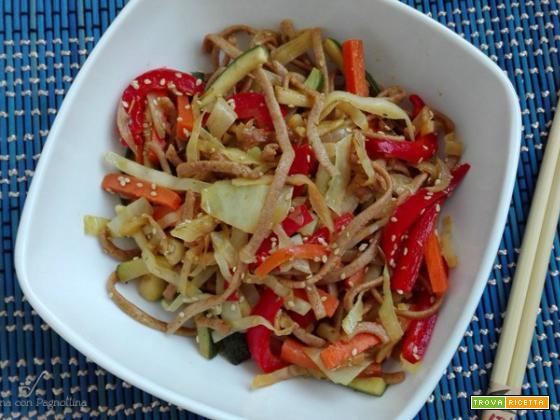 Noodles con verdure saltate
