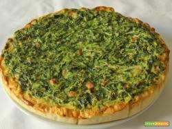 Torta salata con erbette, wurstel e gorgonzola